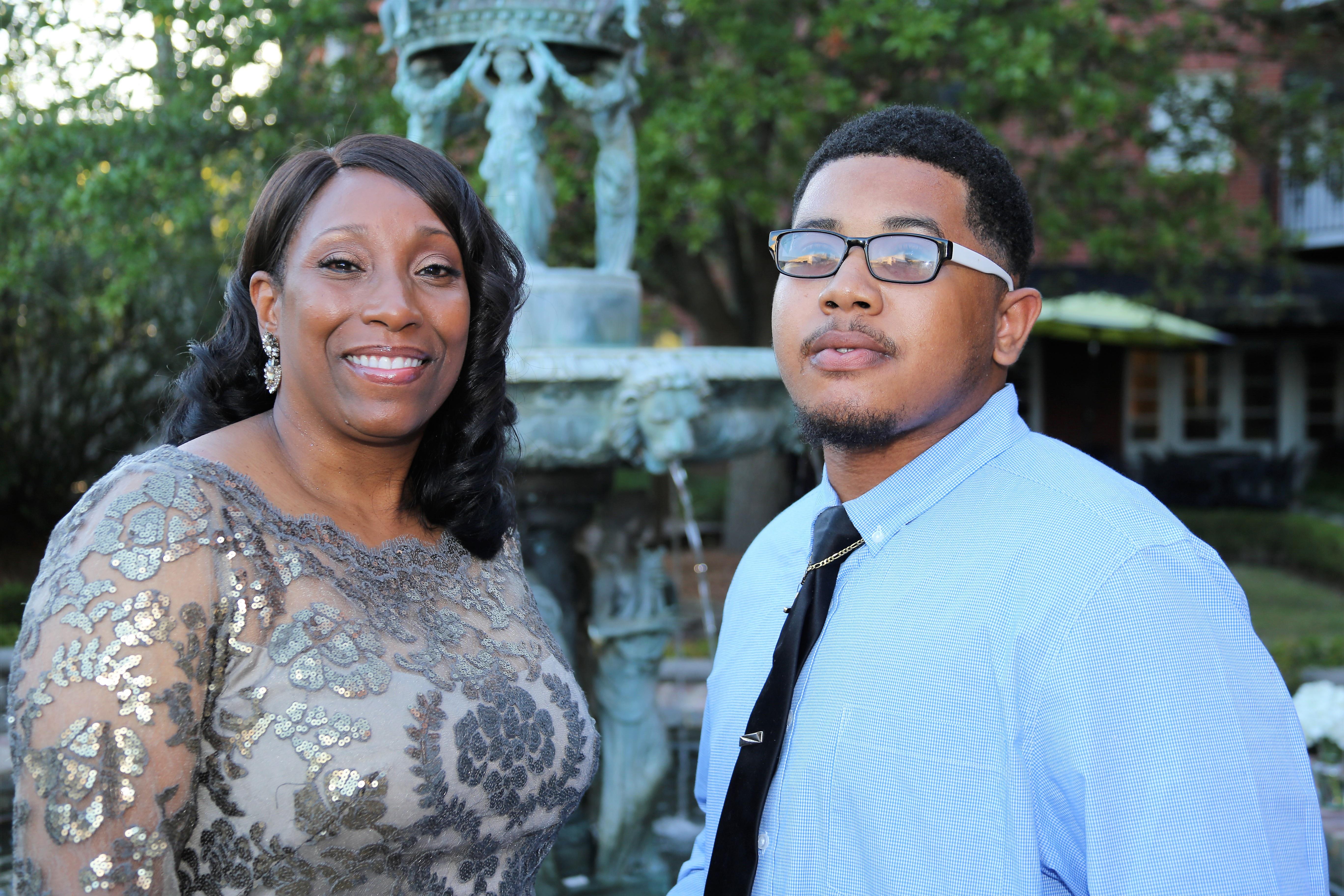 Dr. Debra Mays-Jackson with Vice President's Scholarship recipient Curtis Gainwell.jpg