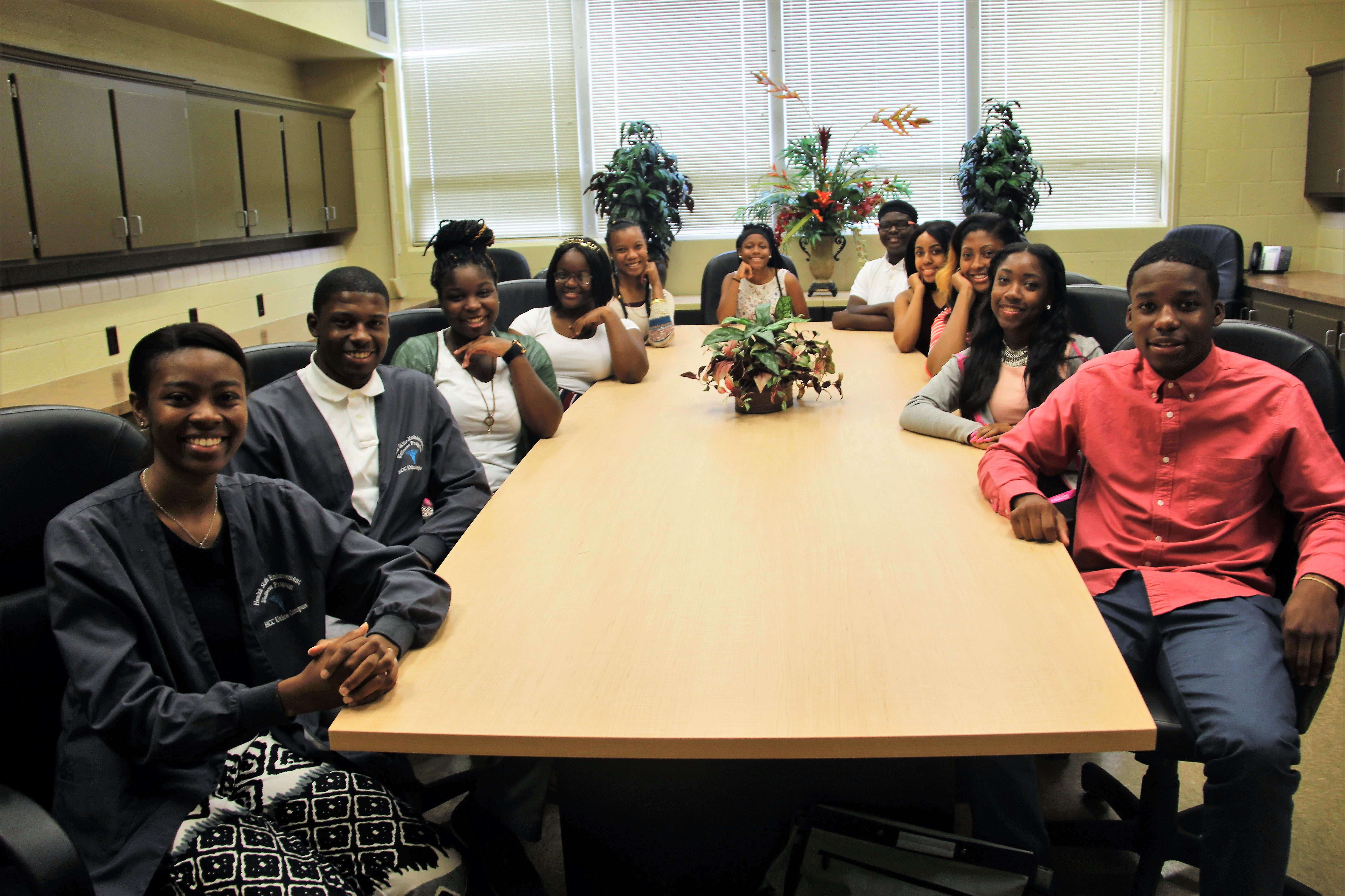Summer Health Professions Inst (17)-roundtable.jpg