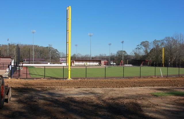 Softball_field-perimeter_0054.jpg